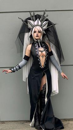 http://cosplay-addicted.blogspot.jp/2010/06/lineage-ii-dark-elf-gatekeeper.html