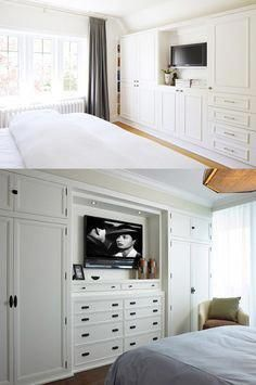 How to build a closet from wall to wallHow to build a wall-to-wall closet: Store more material in a closet with doors The family artisanLove the colors and fun of this DIY makeover crafting cabinet. Spare Bedroom Closets, Bedroom Built In Wardrobe, Bedroom Built Ins, Closet Built Ins, Bedroom Closet Design, Tv In Bedroom, Trendy Bedroom, Bedroom Storage, Bed In Closet