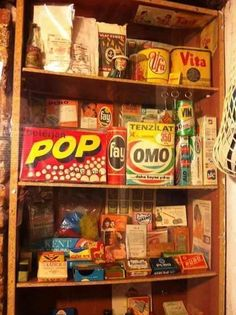 Bakkal rafı Vintage Soul, Retro Vintage, Old Poster, Mtv, Nostalgia, Apple Logo Wallpaper Iphone, Grunge, Visual Memory, Cover Photo Quotes