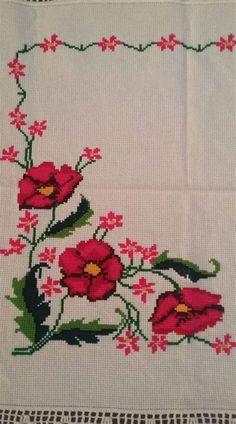 Cross Stitch Designs, Cross Stitch Patterns, Knitting Patterns, Cross Stitch Heart, Cross Stitch Flowers, Cross Stitching, Cross Stitch Embroidery, Crochet Baby Bibs, Crochet Bedspread Pattern