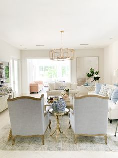 Fashionable Hostess - Style Your Wardrobe. Style Your Home. Cosy Home Decor, Fashionable Hostess, Elegant Homes, Scotland, Family Room, Sweet Home, Dining Table, Florida, Furniture
