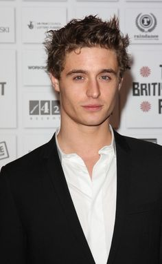 Oooh lovely ♡ max Irons ♡