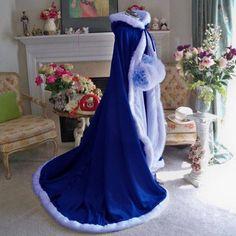 Bridal Winter Wedding Dress Hooded Cloak Cape Faux Fur Bridal Mantles Wraps C Pretty Dresses, Beautiful Dresses, Fantasy Gowns, Cool Outfits, Fashion Outfits, Fashion Goth, Bridal Cape, Fairy Dress, Looks Chic