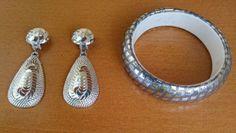 Boucles-d-039-oreilles-clips-facettes-miroir-bracelet-fil-noir-argente-vintage-neuf