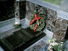 How to say the name: 'Verdi' is said like Ver-dee. 'Giuseppe' is said like 'Joo-sep-pee'. Verdi's grave in Milan Born: October 1813 in Le Roncole (near Busseto), Italy. Died: January 1901 in Milan, Italy. Famous Tombstones, Cemetery Art, Milan, Christmas Wreaths, How To Memorize Things, Old Things, Death, Memories, History