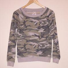 GAP camouflage sweatshirt Super soft camouflage sweatshirt • Worn once • In great condition • Size XS GAP Tops Sweatshirts & Hoodies