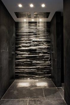 Fashion – Douche italienne : 33 photos de douches ouvertes – Looks Magazine Dream Bathrooms, Beautiful Bathrooms, Modern Bathrooms, Luxury Bathrooms, Small Bathrooms, Master Bathrooms, Black Bathrooms, Master Baths, Modern Luxury Bathroom