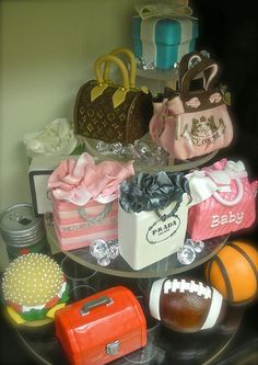 Shopping bags cakes.