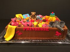 Toy box baby shower Cake Toy Boxes, Baby Shower Cakes, Amazing Cakes, Toy Chest, Cool Stuff, Storage, Toys, Desserts, Home Decor
