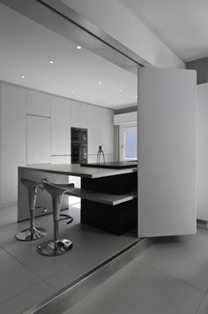 Modern Flat in Rome / Appartamento Moderno, Roma, 2011. Projects by Noses Architects