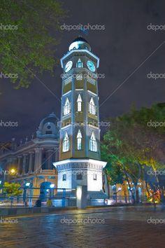 Guayaquil, Ecuador-Malecon 2000 Torre dell'orologio — Immagini Stock #43652231
