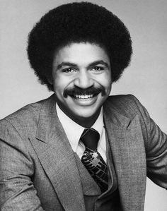 Ronald Earle Glass (July 1945 – November was an American actor. He was known for his roles as literary Det. Ron Harris in the television sitcom Barney Miller . Glass was born in Evansville, Indiana. Strong Black Man, Handsome Black Men, Black Actors, Black Celebrities, Celebs, Beautiful Celebrities, Hollywood Stars, Classic Hollywood, Ron Glass