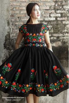 Our Iconic Series. Batik Amarillis' hey day dress in spectacular Hungarian folk embroidery . eternally chic dress is a perennial party classic. Hungarian Embroidery, Folk Embroidery, Embroidery Fashion, Embroidery Dress, Fashion 2017, Latest Fashion Trends, Fashion Dresses, Fashion Tips, Mexican Fashion