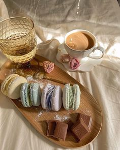 Macaron Cake, Macarons, Coffee Macaron, Whats For Lunch, Tasty, Yummy Food, Aesthetic Food, Cute Food, Food Cravings