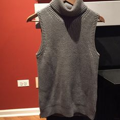 Turtleneck sweater tank Gray, Michael Kors, classic and cute especially with a long necklace! Michael Kors Tops Tank Tops