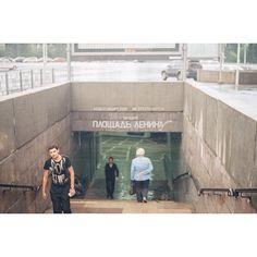 10 отметок «Нравится», 1 комментариев — Ivan (@tsymbaloff) в Instagram: «#metro #nsk #kodakgold200 #pentaconpraktika #метро #новосибирск #площадьленина»