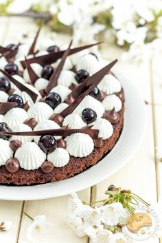 Discover recipes, home ideas, style inspiration and other ideas to try. Beaux Desserts, Kinds Of Desserts, Pastry Recipes, Baking Recipes, Dessert Recipes, Cake & Co, Beautiful Desserts, French Pastries, Christmas Cooking