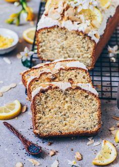 Mohn Kuchen Veganer Lemon Poppyseed Cake - Vegan Article Physique: It's simple to lay our a fortune Easy Vegan Cake Recipe, Vegan Lemon Cake, Cake Vegan, Best Vegan Chocolate, Chocolate Banana Bread, Lemon Bar, Cake Recipes, Dessert Recipes, Poppy Seed Cake