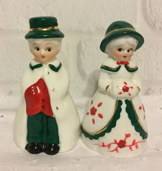 Vintage Holiday Memories Collector Ornament Olde Time Family Bells Carolers