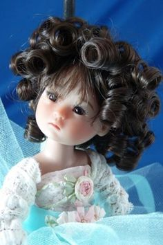 Ten Ping in curly wig.  Want!