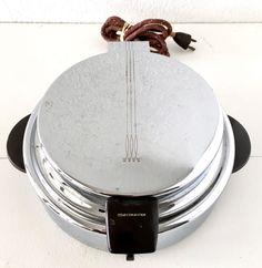 Toastmaster Belgian Waffle Maker Round Vtg Stainless Steel Chrome MCM Art Deco