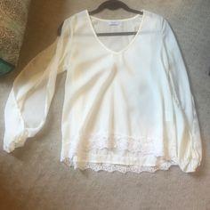 Tobi white open sleeve blouse White long sleeve blouse Tobi Tops Blouses