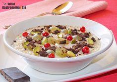 Gachas de avena con uvas y chocolate | Gastronomía & Cía