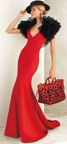Lady in red. Valentina Zelyaeva for Ralph Lauren Glamour, Red Fashion, Womens Fashion, Fashion Brands, Color Fashion, Classic Fashion, Ralph Lauren Collection, Mode Style, Beautiful Gowns