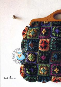 Colour inspiration - crochet bag with wooden handles. Crochet Granny, Crochet Motif, Knit Crochet, Crochet Patterns, Crochet Crafts, Yarn Crafts, Crochet Projects, Crochet Handbags, Crochet Purses