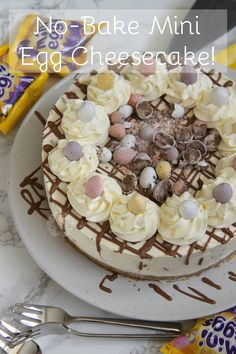 No-Bake Mini Egg Cheesecake! ❤️ A Delicious & Sweet No-Bake Vanilla Cheesecake with a Buttery Biscuit Base, full to the brim with Mini Eggs - Perfect *non*bake for Easter! Easter Cheesecake, Cheesecake Recipes, Dessert Recipes, Rolo Cheesecake, Easy No Bake Cheesecake, Classic Cheesecake, Homemade Cheesecake, Chocolate Cheesecake, Mini Eggs Cake
