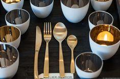 Besteck goldig mit Gold und Silbrigen Teelichter von Madam Stoltz