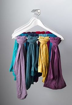 Homes Organisation: Homes Organsiation Feature: Tights – hung on a hanger display Ideas for organising your home Scarf Organization, Wardrobe Organisation, Organisation Hacks, Organising Ideas, Diy Dressing, Dressing Pas Cher, Clothes Hanger Storage, Scarf Storage, Scarf Display