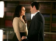 """Meghan Markle stars as Rachel Zane and Brendan Hines guest stars as Logan Sanders in Suits, """"Litt The Hell Up. Suits Series, Suits Tv Shows, Logan Suits, Brendan Hines, Rachel Zane Suits, Logan Sanders, Gabriel Macht, Harry And Meghan, Meghan Markle"""