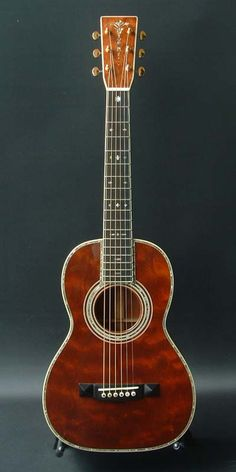 Martin 5-45 Custom (2004) : quilted mahogany