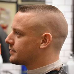 Army Flat Top - Best Military Haircuts For Men: Cool Short Military Fade Hairstyles For Guys To Get Hairstyles For Balding Crown, Oblong Face Hairstyles, Slick Hairstyles, Haircuts For Fine Hair, Undercut Hairstyles, Cool Haircuts, Haircuts For Men, Short Sides Haircut, Side Haircut