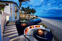 Tropical beach house retreat in Cabo San Lucas - Tropical Beach Houses, Dream Beach Houses, Tropical Pool, Tropical Design, Beach Design, Tropical Style, Tropical Decor, Living Pool, Home Living
