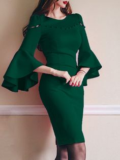 Round Neck Plain Bodycon Dress — Prettyrepair Source by annette_wilde dresses Simple Dresses, Elegant Dresses, Casual Dresses, Formal Dresses, Mode Outfits, Dress Outfits, Fashion Dresses, Green Dress Outfit, Party Outfits