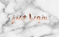 This pin is a background for your laptop. I find the white marble in combination with the rose gold letters verry famous! I got this image from: http://thesarahjohnson.com/ Check out her website! She place very nice things/stuff!
