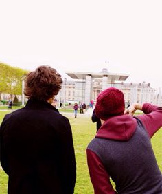 Harry Styles & Louis Tomilson ( Larry )
