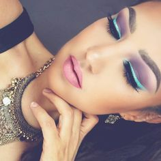 Yass! #MotivesMaven @auroramakeup using her gorgeous Motives #GEMSPARKLES as a liner in the stunning look!!  #MotivesCosmetics  Spring look  -Clay pot in MINT by @tartecosmetics as eyeliner -Modern Mattes palette 28 colors by @bhcosmetics as Eyeshadows. -Lashes are PIXIE LUXE by @houseoflashes -Lips have Tinta Matte Suspiro  by @bissucosmeticsmx  I used #GEMSPARKLES in ZIRCONIA by @motivescosmetics over the eyeliner  #auroramakeup #selfie #makeup #beauty #mua #glam