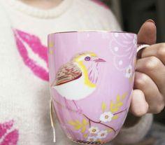 Regram da @maisondadi, que começou o seu dia com um chá delicioso na nossa caneca da #PipStudio. Marque suas fotos com #poirepelomundo para aparecer por aqui…  #poirepelomundo #macacao #lookpoire #ootd #temnapoire #barrashopping #shoppingviaparque #barradatijuca #riodejaneiro