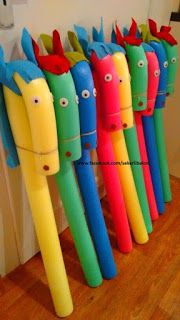 """Steckenpferd basteln Schwimmnudel Kindergeburtstag Pool noodle, felt for eas and mane, glue on giant googly eyes and tie the """"nose"""" down with twine. Kids Crafts, Projects For Kids, Diy And Crafts, Craft Projects, Garden Projects, Garden Crafts, Garden Fun, Craft Ideas, Fun Ideas"""