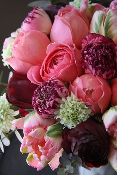 Ranunculus, tulips and scabiosa My Flower, Fresh Flowers, Beautiful Flowers, Piones Flowers, Arrangements Ikebana, Floral Arrangements, Rosa Pink, Beautiful Flower Arrangements, Bouquets