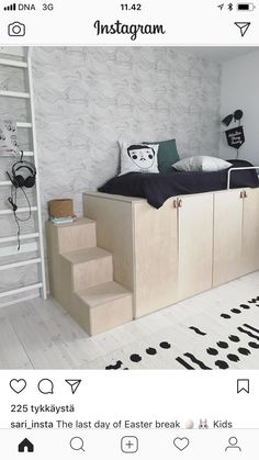 Another shot of this gorgeous bedroom in Finland belonging to I really love this plywood bed with Seascape in Winter. Modular Furniture, Kids Furniture, Living Room Furniture, Modern Furniture, Furniture Logo, Farmhouse Furniture, Plywood Furniture, Home Bedroom, Girls Bedroom