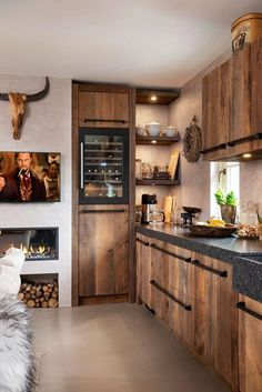 Solid old wood kitchen RestyleXL - UW-keuken.nl - Solid old wood kitchen RestyleXL – UW-keuken. Kitchen On A Budget, Home Decor Kitchen, Country Kitchen, Kitchen Interior, Home Kitchens, Rustic Kitchen Decor, Kitchen Furniture, Kitchen Ideas, Küchen Design
