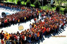 GÖZTEPE Tafartarı | Göztepe TV  http://www.goztepetv.com  #İzmir #Göztepe #Gözgöz #Göztepeliler #SarıKırmızı #Tribün #Taraftar #Spor #Futbol #GöztepeTv #Tv
