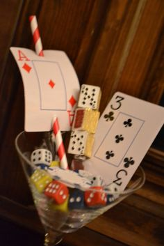 Playing cards on pinterest casino party casino night for Decoration poker