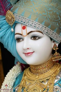 Krishna, the eighth symbol of God Vishnu is venerated as an incomparable God in Hinduism. Conceived in northern India (around BCE),. Krishna Hindu, Krishna Statue, Baby Krishna, Cute Krishna, Radha Krishna Pictures, Lord Krishna Images, Radha Krishna Photo, Krishna Songs, Krishna Quotes