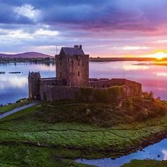 Visit Galway (@visitgalway) • Instagram photos and videos Monument Valley, Ireland, Castle, The Incredibles, Photo And Video, Sunset, History, Videos, Pretty