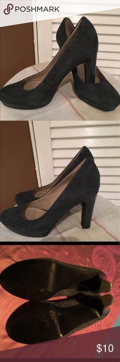 "Franco Sarto Grey suede shoes. Beautiful grey suede shoes, heel height is 4"" inches w 1/2"" platform.  Gently used, fantastic condition! Franco Sarto Shoes Platforms"
